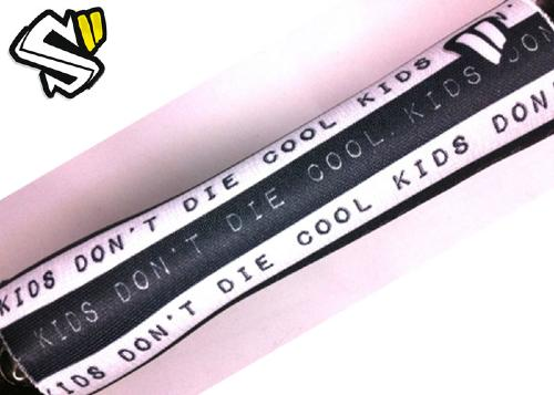 "Style-Supply barrel band ""Cool kids don't die"""